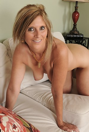 Nude pictures milf Milf Ass