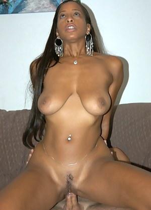 Ebony MILF Porn Pictures