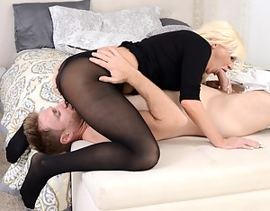 MILF 69 Porn Pictures